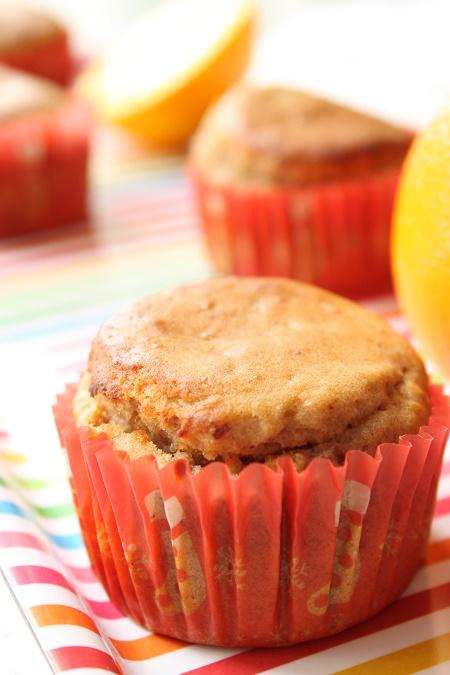 Muffins moelleux à l'orange, datte et farine de châtaigne