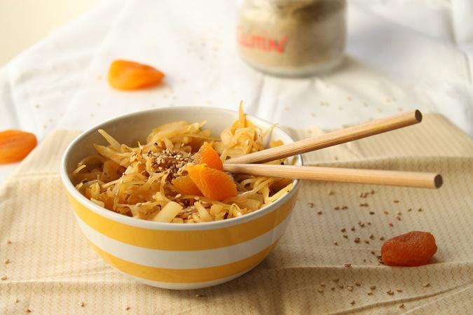 Poêlée de chou blanc, céleri cumin abricot