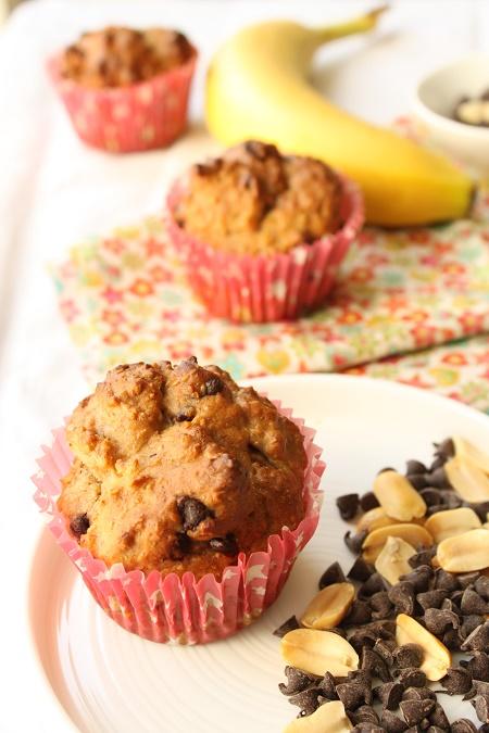 Muffin moelleux à la banane beurre de cacahuète chocolat sans beurre sans oeuf