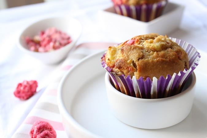 Muffins rhubarbe et praline rose