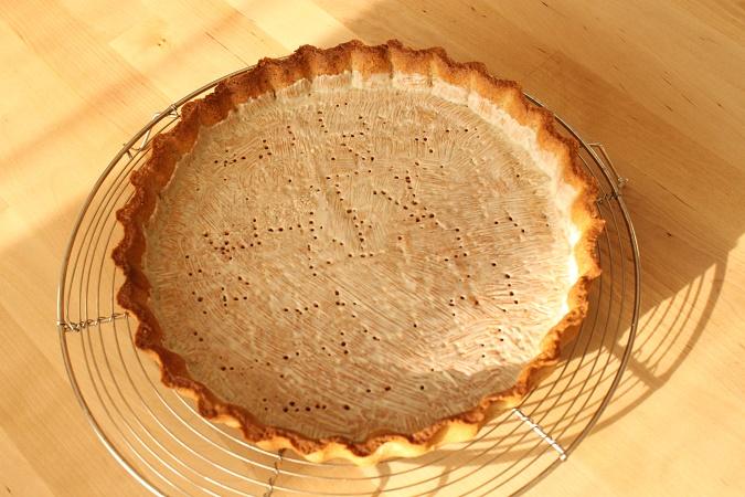 tarte aux fraises et aux myrtilles_chablonner le fond de tarte