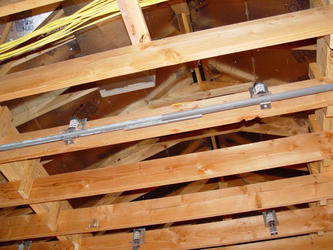 Spring ceiling hangers