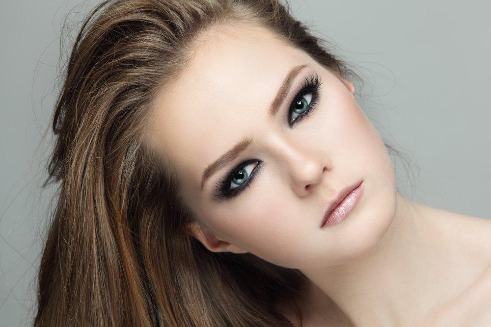 вырезала фото картинки макияж для серых глаз и русых волос фото чудесный