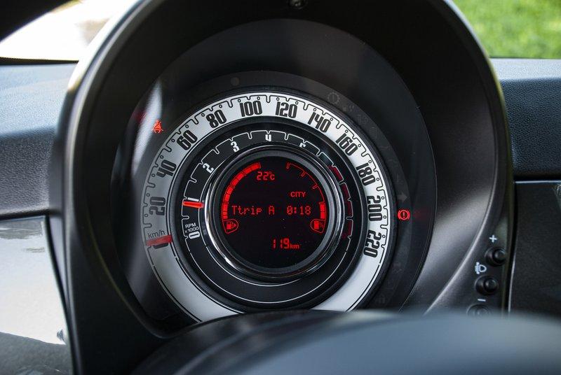 (Novo v Sloveniji) Fiat 500 Hybrid - Malček prinaša nov mejnik tudi na naša tla