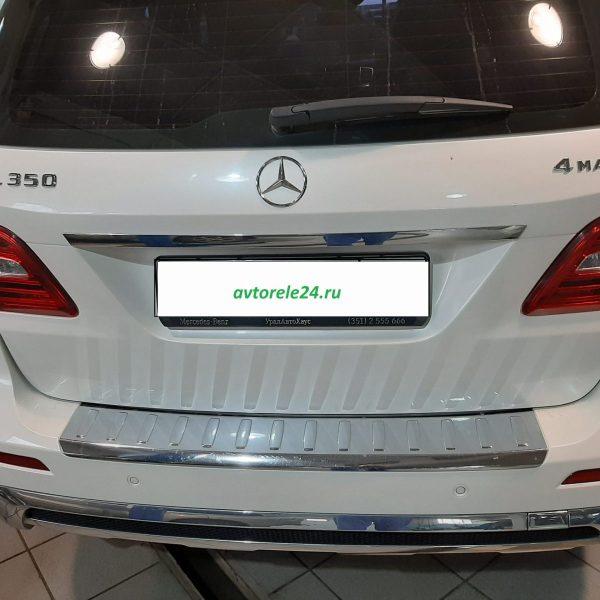 Mercedes-Benz M-Класс 350 замена 2 салонных фильтров.