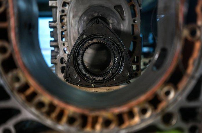 Роторный двигатель стал частью новой гибридной установки Mazda