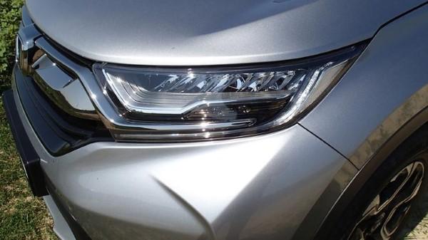 Фото передней фары Honda CR-V.