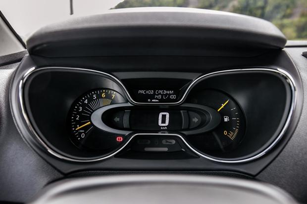 Фото панели проборов Renault Kaptur.