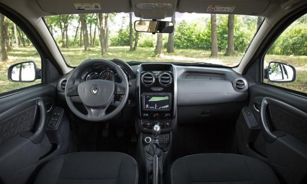 Фото Renault Duster - вид внутри салона..