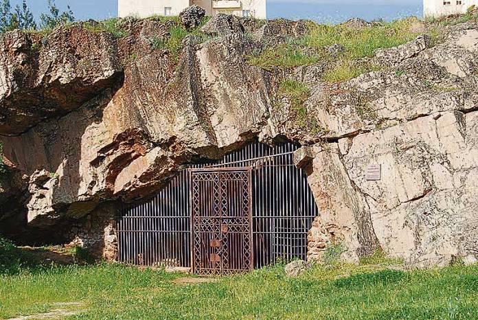 Cueva-Maltravieso