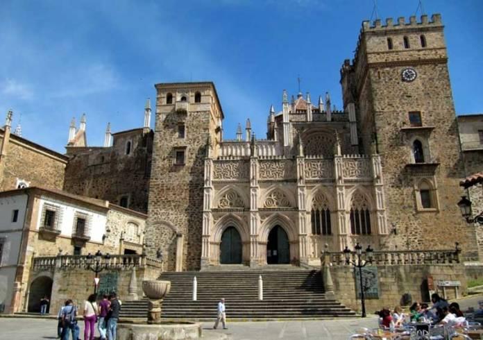 plaza-de-santa-maria-de-guadalupe_4532791