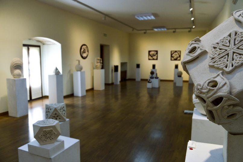 El Palacio de la Isla acoge una muestra de cerámicas