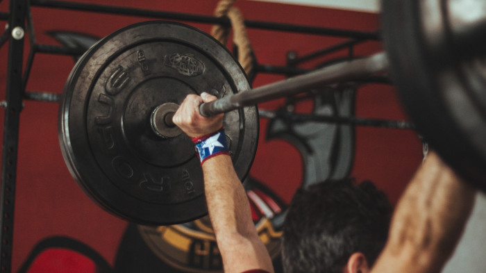 Study Shows How Lifting Weights (Quickly) Can Lead to Longer Life