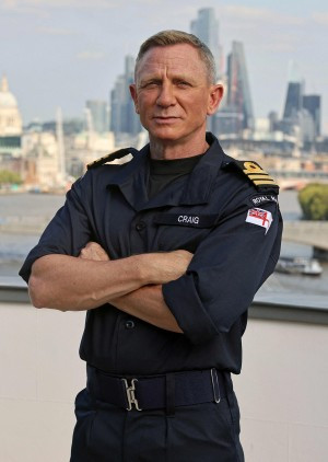 Actor Daniel Craig honored by Royal Navy, made honorary commander to match on-screen rank of 007 1
