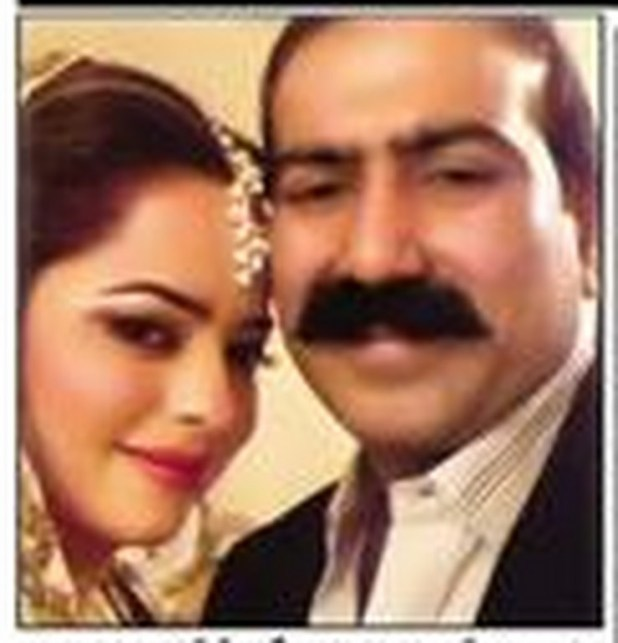 Madiha shah Picture of marriage with her husband