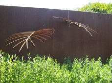 botanic gardens leaf sculpture