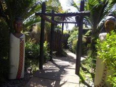botanic gardens door way potters garden