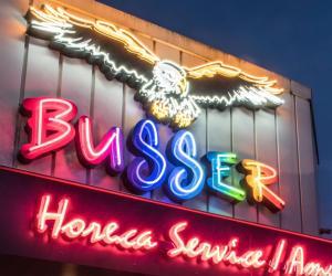Busser (2)