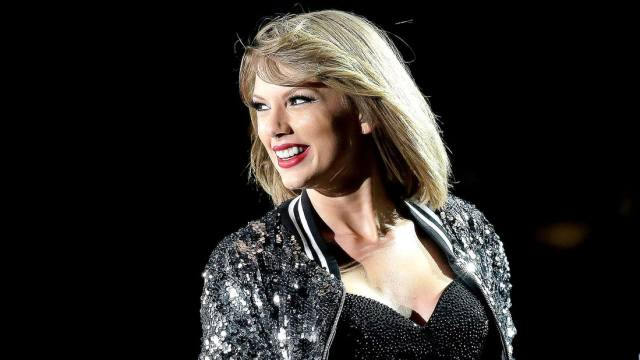 Taylor Swift wins Album of the Year for 2nd time, first for a female