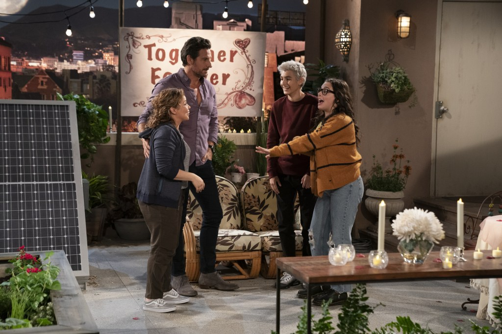 """(L-R): Justina Machado as Penelope, Ed Quinn as Max, Marcel Ruiz as Alex and Isabella Gomez as Elena in ONE DAY AT A TIME, """"Supermoon"""".  Photo Credit: Nicole Wilder/POP TV."""