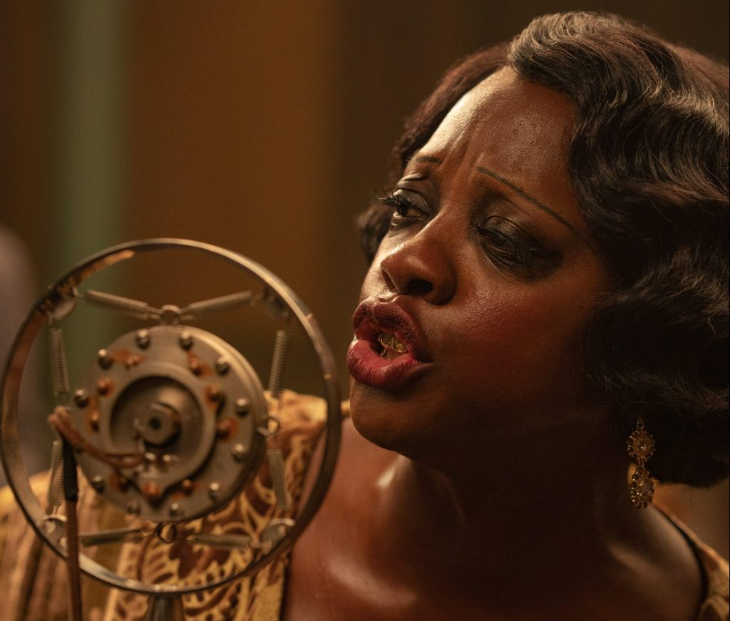 Ma Rainey's Black Bottom (2020): Viola Davis as Ma Rainey. Cr. David Lee / Netflix