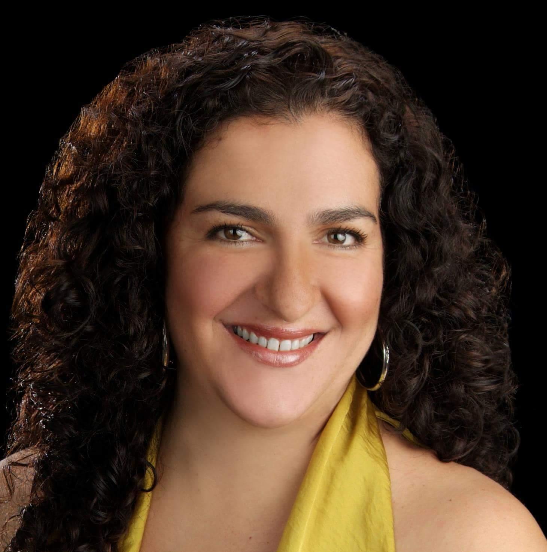 Rossana Correa