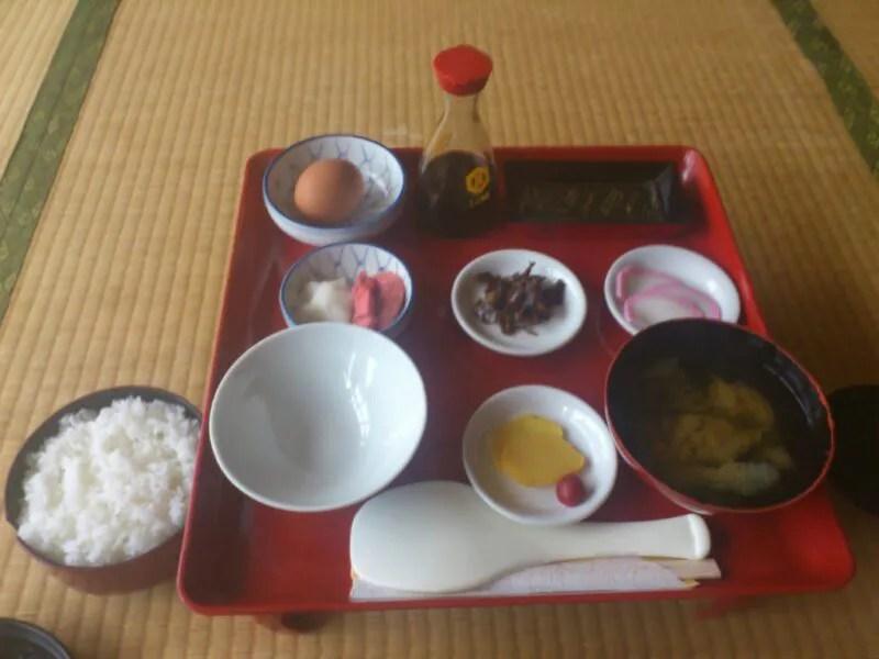 煙草屋旅館の朝食