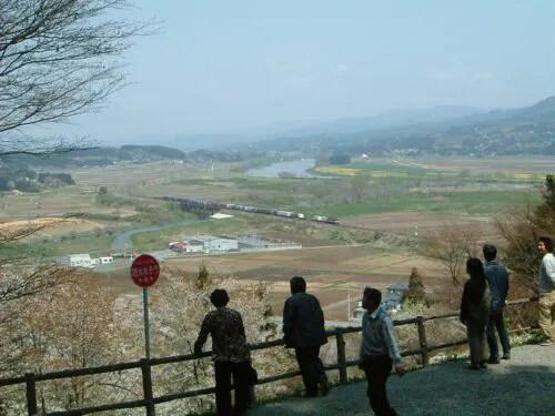 北上川を見下ろす