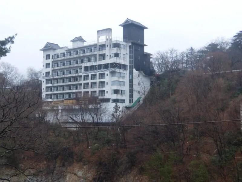 怪しい建物