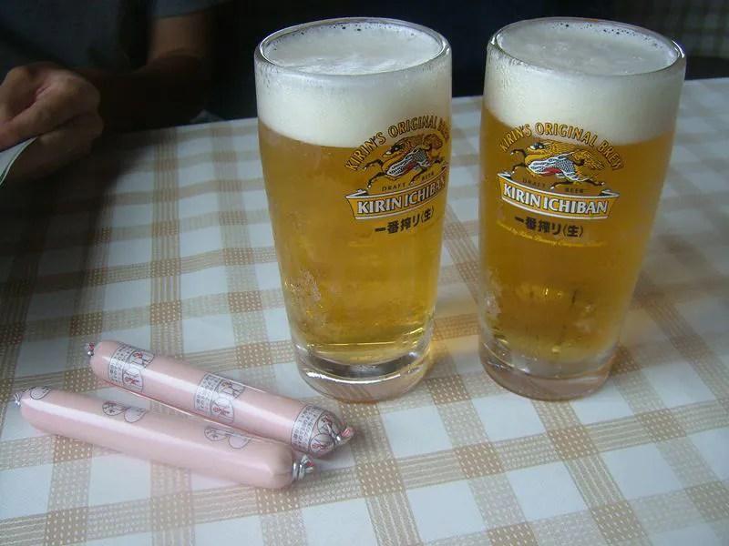 山小屋で生ビール