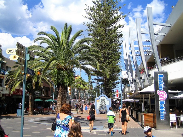 Daytrips Brisbane_Gold Coast Shopping