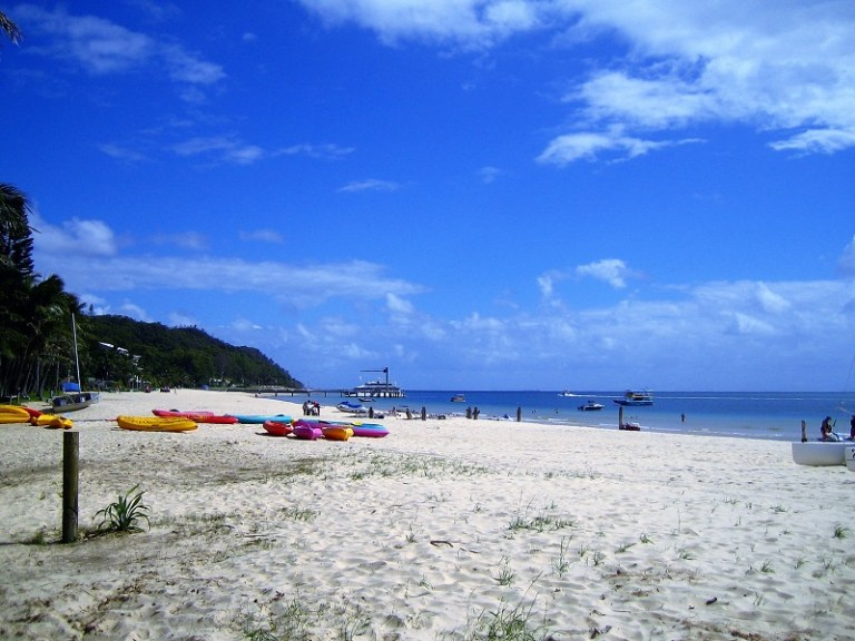 Daytrips Brisbane_Strand Tangalooma Resort Moreton Island