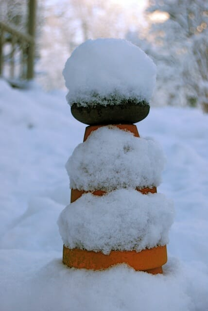 cairn-in-first-snow