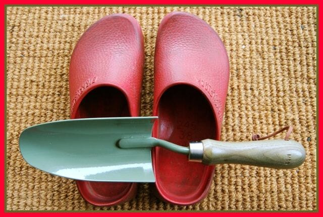 shoes-trowel 3