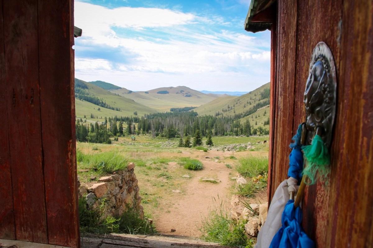 Horse trek Mongolia - visiting a buddhist Monastery.