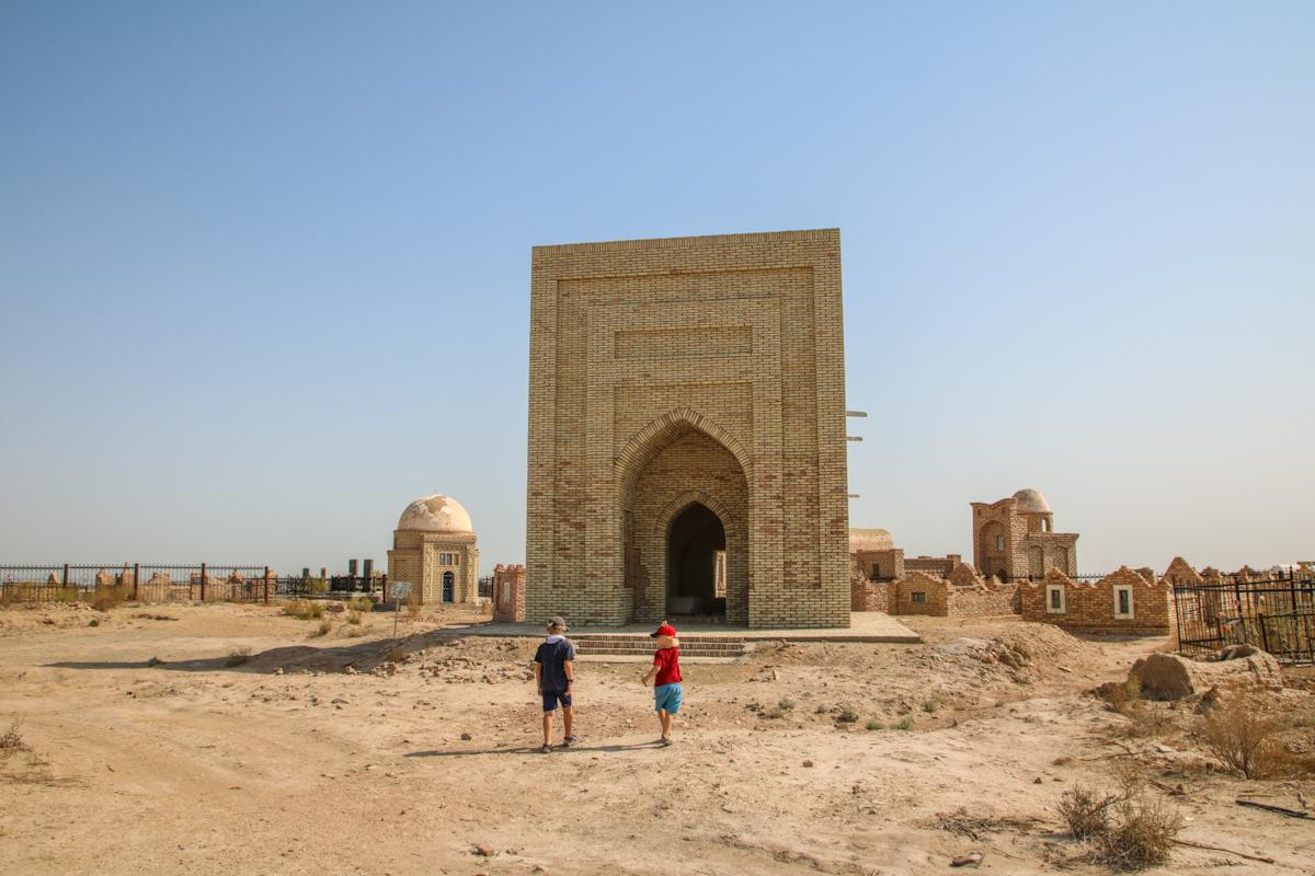 Uzbekistan travel blog. Exploring Karakalpakstan with kids.
