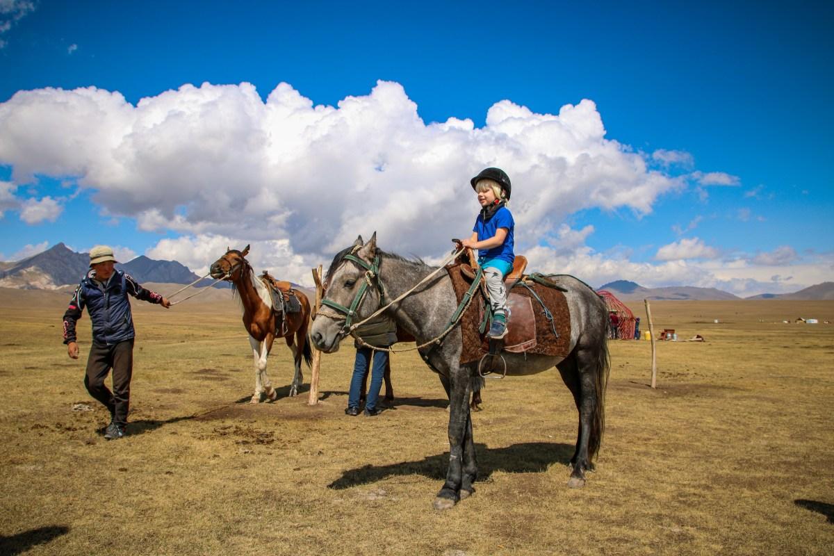 Horse riding Song Kol Lake.