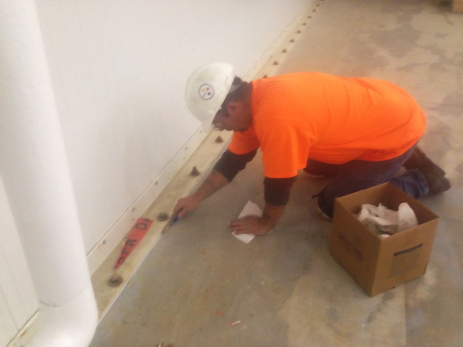 Professional-Caulking-5