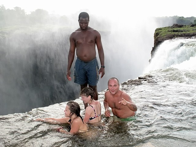 Зимбабве: водопад Виктория и купальни Дьявола