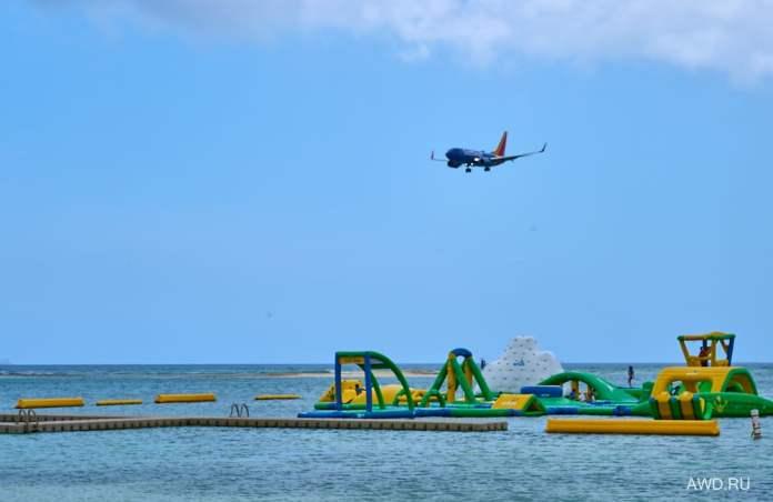 Самолетный пляж Аруба