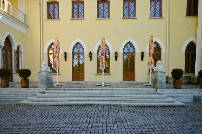 Мызы (усадьбы) в Эстонии