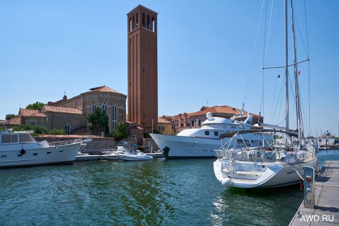 На арендованной лодке по Венеции