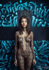 11 сессия серии «Каллиграфия на девушках» Покраса Лампаса