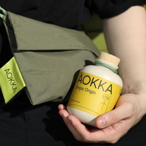 Айдентика и упаковка кофейной марки AOKKA, разработанные в шанхайской дизайн-студии low key Design Company