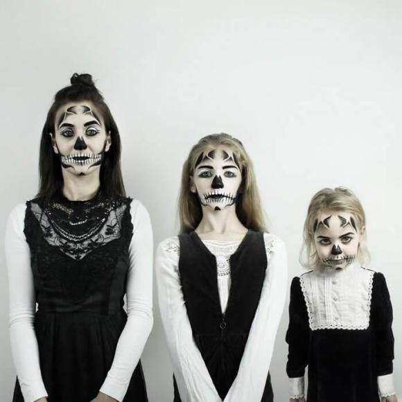 Mãe e filhas em fotos divertidas (22)