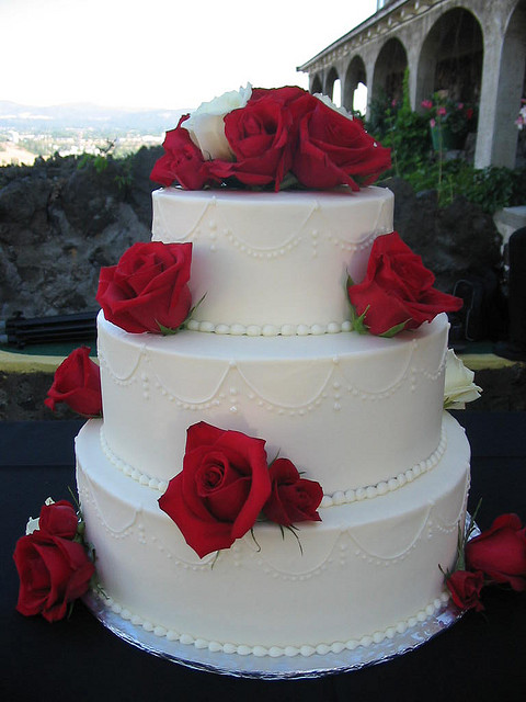 Red And White Wedding Cakes Ideas Inspirations