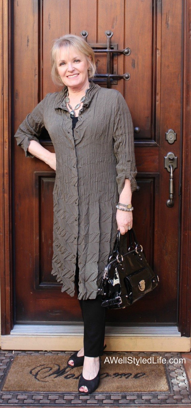 Grandmother Dress For Baby Shower : grandmother, dress, shower, Woman, Wears, Shower, Styled