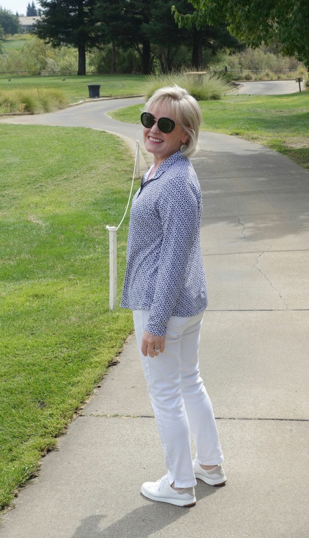 Jennifer Connolly of A Well Styled Life modeling Ibkul top