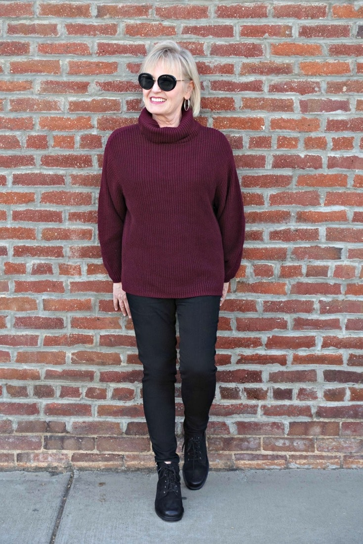 Jennifer Connolly of A Well Styled life wearing Wit & Wisdom Ab-solution jeans