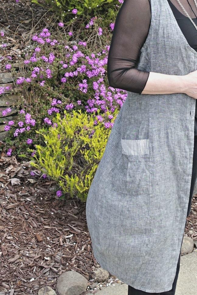 side view of hanover vest showing pocket detail